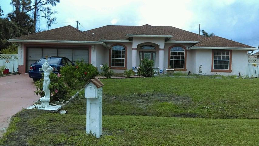 3181 SW Centamino Street, Port Saint Lucie, FL 34953