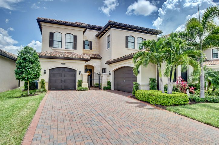 8261 Banpo Bridge Way, Delray Beach, FL 33446