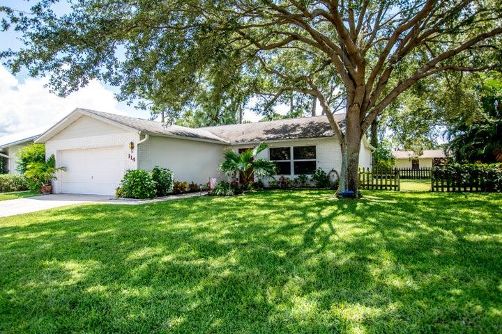 114 Village Circle, Jupiter, FL 33458