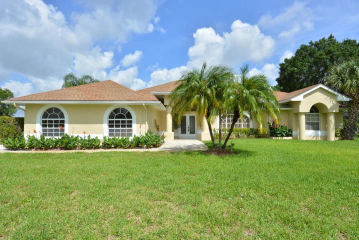 3823 SW Revere Court, Port Saint Lucie, FL 34953