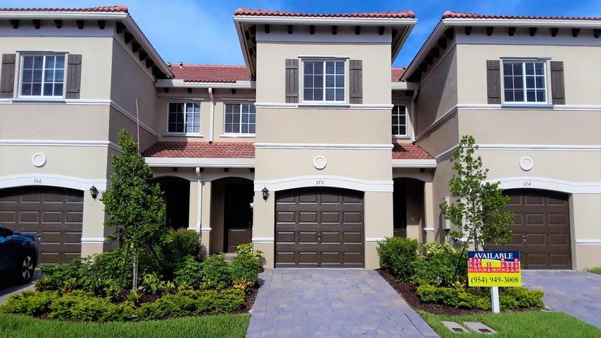 370 SE 1st Drive, Deerfield Beach, FL 33441