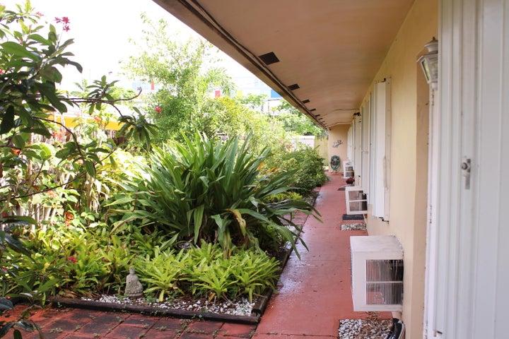 807 SW 1 Street 3, Fort Lauderdale, FL 33312