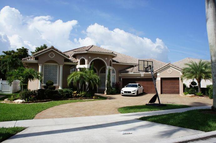 11604 Kensington Court, Boca Raton, FL 33428