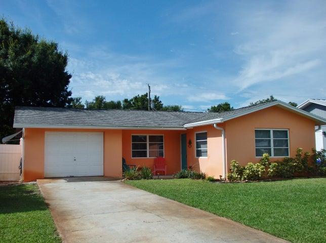 8754 SE Jardin Street, Hobe Sound, FL 33455