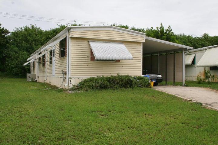 8181 SE Homestead Avenue, Hobe Sound, FL 33455