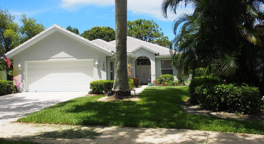 7413 SE Autumn Lane, Hobe Sound, FL 33455