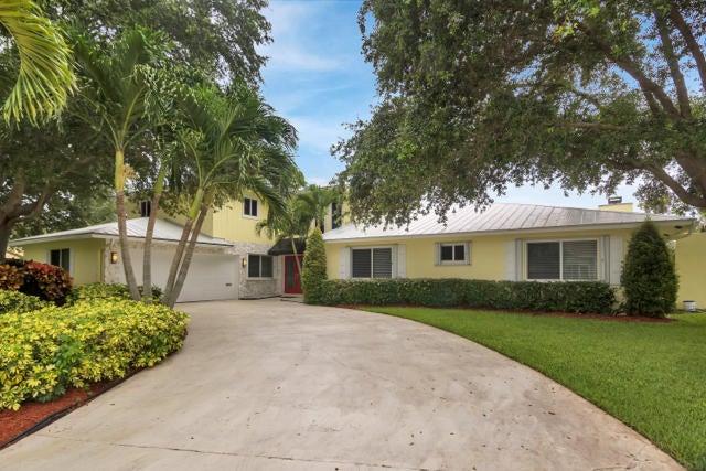3135 Lakeview Drive, Delray Beach, FL 33445