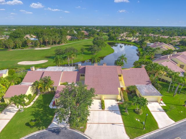 35 Edinburgh Drive, Palm Beach Gardens, FL 33418