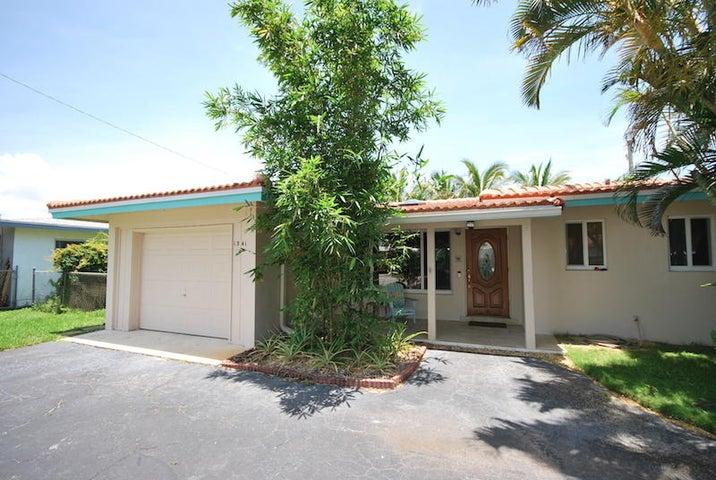 1341 SE 4th Street, Deerfield Beach, FL 33441