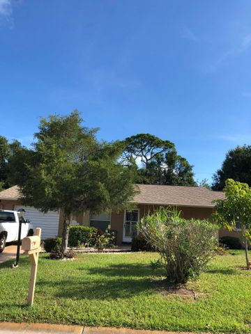 703 67th Avenue W, Bradenton, FL 34207