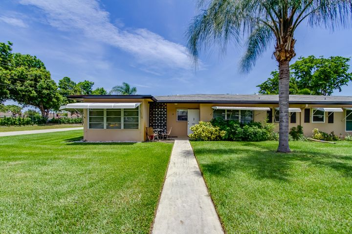 1050 North Drive A, Delray Beach, FL 33445