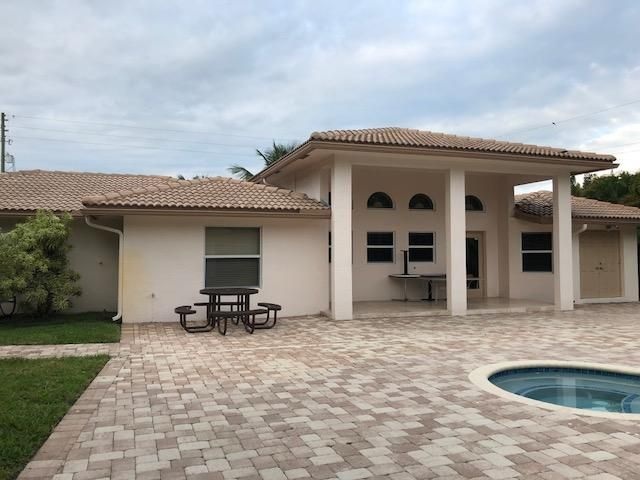 68 Springdale Road, Lake Worth, FL 33467