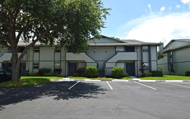 8291 SE Croft Circle 10, Hobe Sound, FL 33455