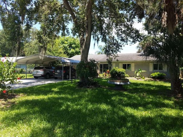 2852 Iroquois Avenue, Fort Pierce, FL 34946