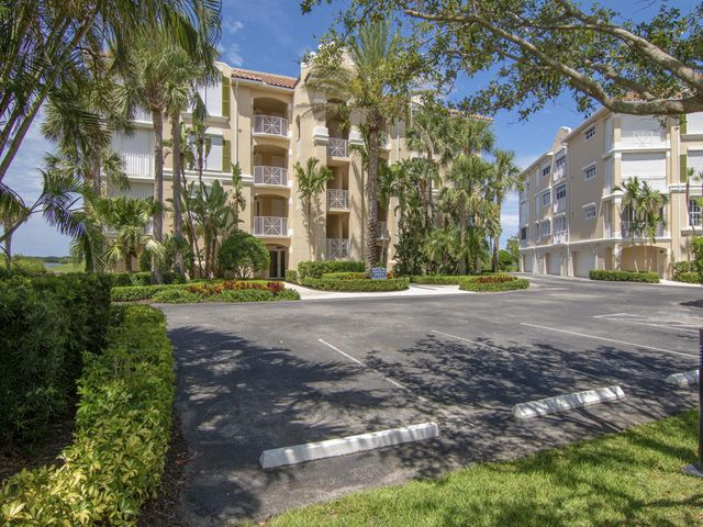 4866 S Harbor Drive 402, Vero Beach, FL 32967