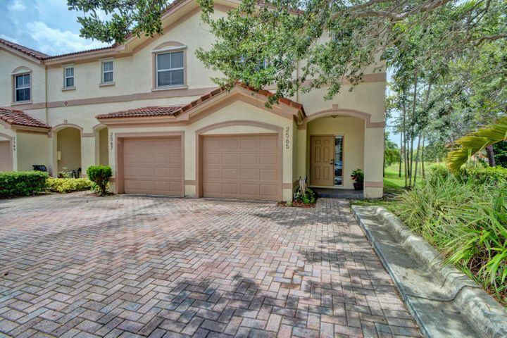 2565 Riverside Drive 2565, Coral Springs, FL 33065