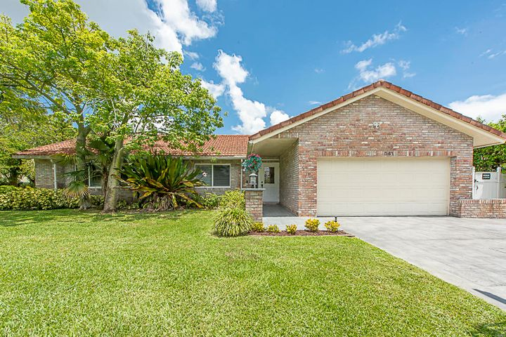541 NW 11th Ter (2)