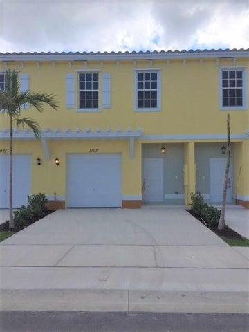 1103 NW 40th Terrace, Lauderhill, FL 33313