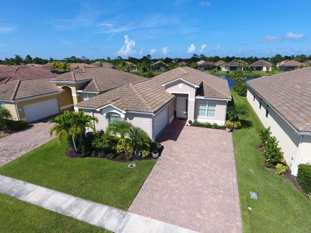 4355 NW Oakbrook Circle, Jensen Beach, FL 34957