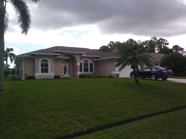 5583 NW Scepter Drive, Port Saint Lucie, FL 34983