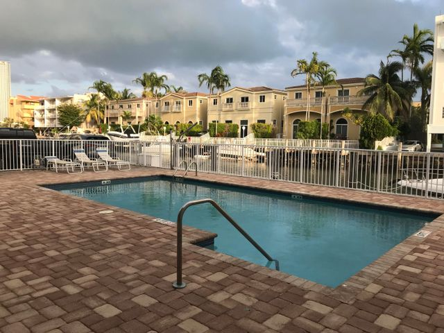 3868 NE 169th Street 307, North Miami Beach, FL 33160