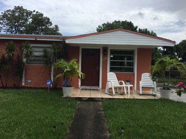 5470 NW 175th Street, Miami Gardens, FL 33055