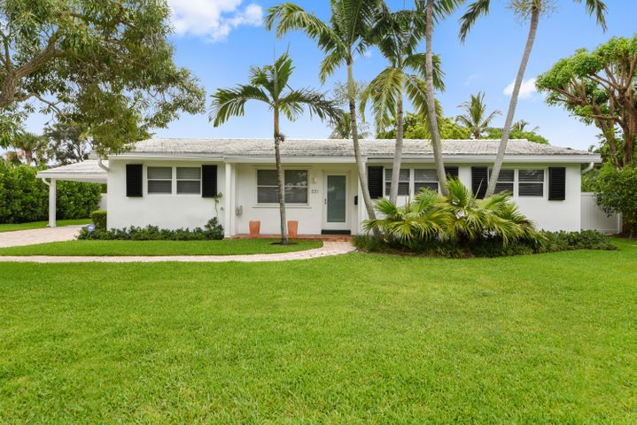 221 Miramar Way, West Palm Beach, FL 33405