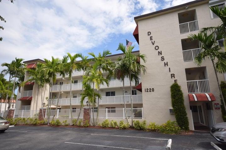1220 NE 3rd Street 302, Fort Lauderdale, FL 33301