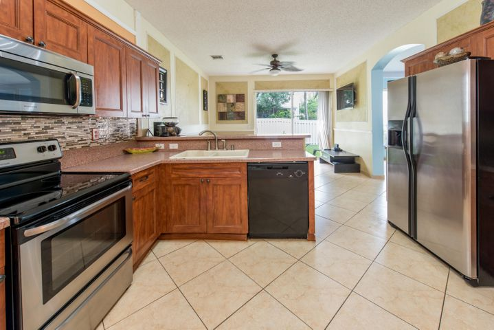 4837 NW 20th Place, Coconut Creek, FL 33063