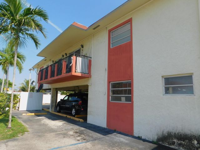1225 W 30th Street 14, Hialeah, FL 33012