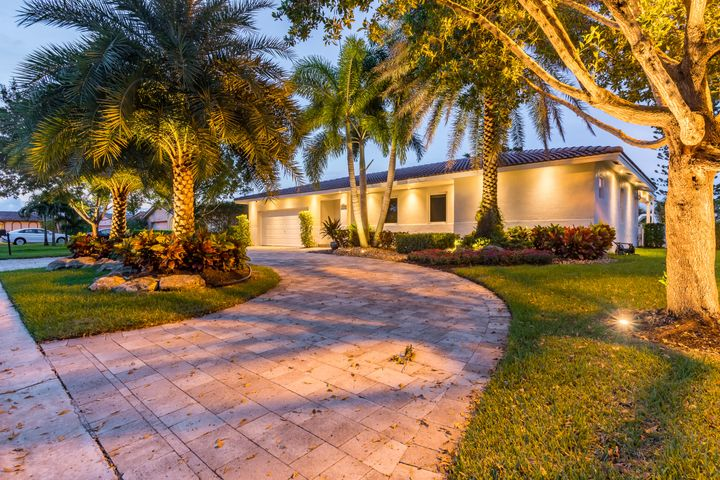 1785 NW 84th Drive, Coral Springs, FL 33071