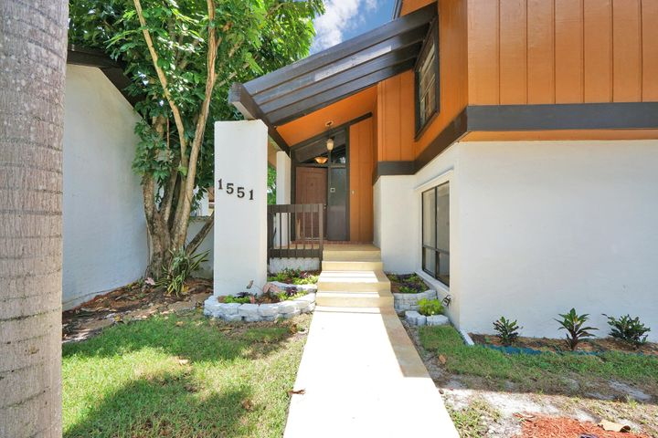 1551 E Sandpiper Circle, Pembroke Pines, FL 33026