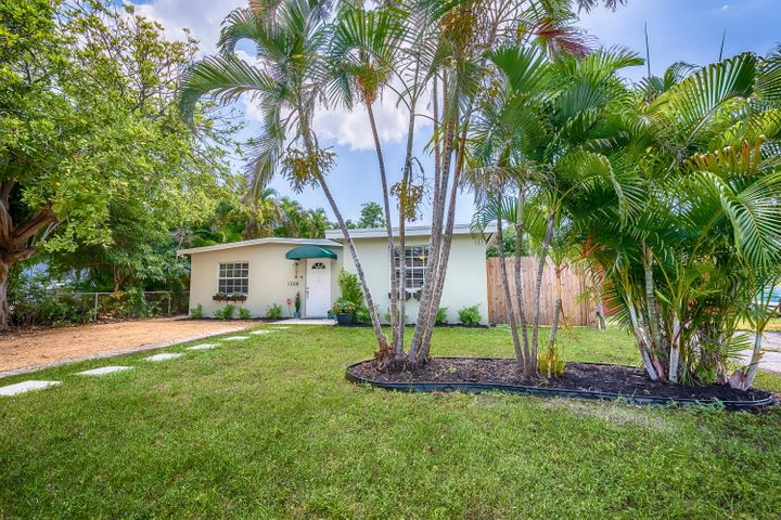 1308 NE 16th Terrace, Fort Lauderdale, FL 33304