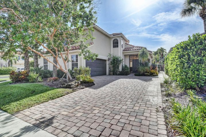 OPEN HOUSE SATURDAY 8/4/18 FROM 1:00-3:00. REFRESHMENTS WILL BE SERVED. Light, bright, and spacious 3 bedroom/ 2.5 bathroom single family home in highly desirable Ventura at Mission Bay. This beautiful home with an open floorplan has a remodeled kitchen with wood cabinets, granite countertops, and stainless steel appliances. Tiled throughout first floor and high-end wood laminate on stairs and second floor (two bedrooms are carpeted). Master bath has been completely remodeled with marble, granite, and a jacuzzi tub.  Additional upgrades include partial impact glass, large baseboards and crown molding throughout, 2006 roof, and much more. This home is situated on a large corner lot with a beautiful pool and additional entertaining space. Lots of beautiful landscaping in both front and back. internet, cable with HBO, and more. Fabulous Mission Bay amenities which include heated pool, hot tub, sauna, steam room, men and women's locker room, fitness center with free fitness classes and aerobic room, and much more. Additional amenities include tennis, playground, basketball, holiday parties, and so much more!