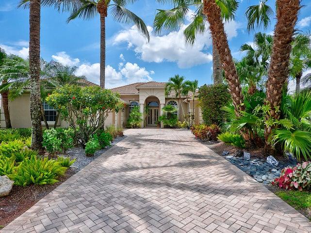 44 Bermuda Lake Drive, Palm Beach Gardens, FL 33418