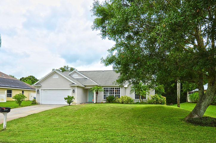 440 29th Court SW, Vero Beach, FL 32968