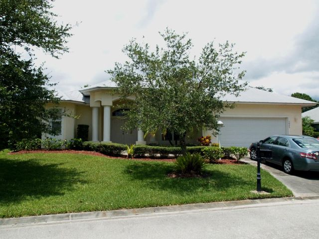 1025 White Tail Avenue SW, Vero Beach, FL 32968