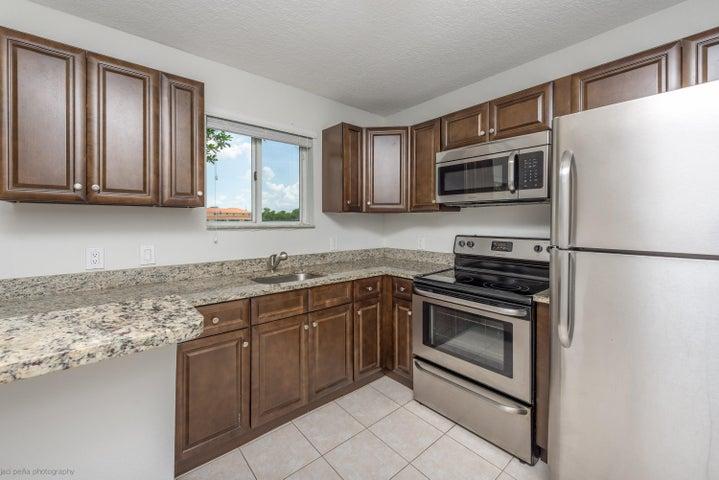 3486 Briar Bay Boulevard 106, West Palm Beach, FL 33411