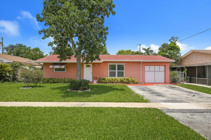 2061 E Bond Drive, West Palm Beach, FL 33415