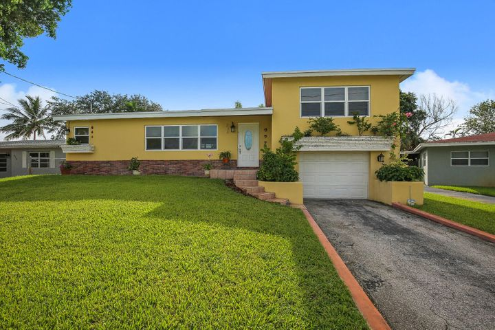 208 NW 42nd Av, Plantation, FL 33317