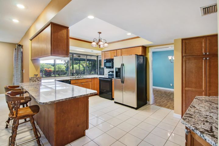 8733 NW 19th Drive, Coral Springs, FL 33071