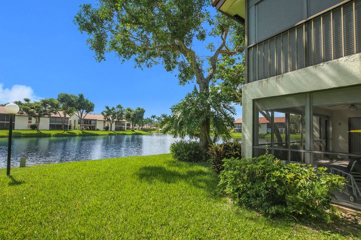 10656 Tropic Palm Avenue 101, Boynton Beach, FL 33437