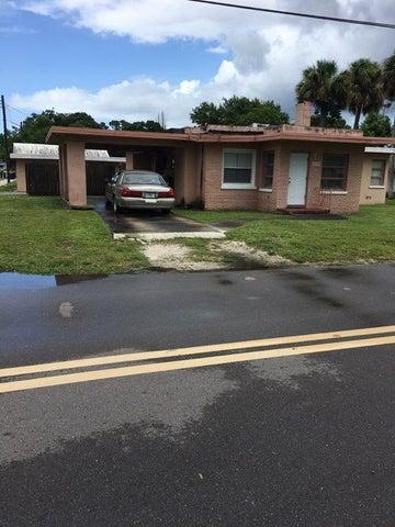 902 S 15 Th Street, Fort Pierce, FL 34946