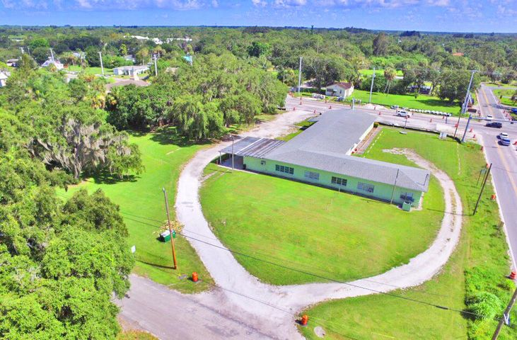 1108 W Midway Road, Fort Pierce, FL 34982