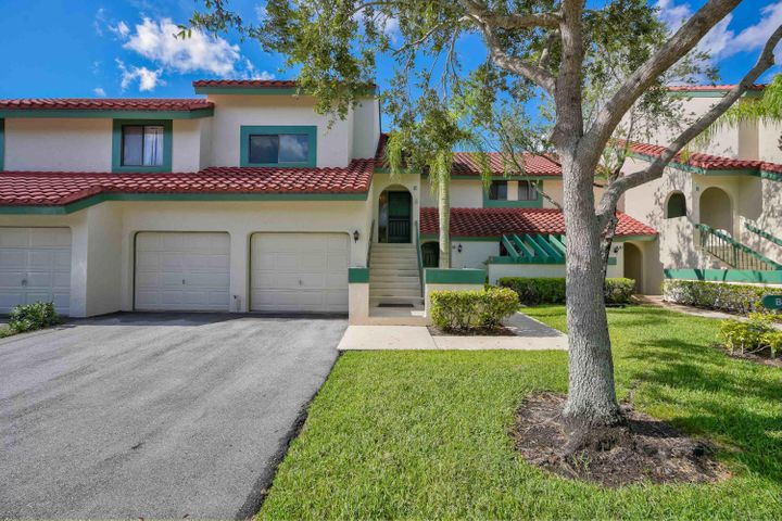 19 Lexington Lane, Palm Beach Gardens, FL 33418