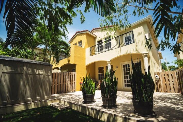 2307 SW 18th Avenue, Fort Lauderdale, FL 33315