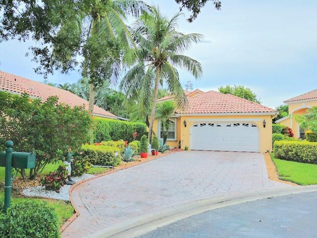 Long Driveway offers Ample Parking