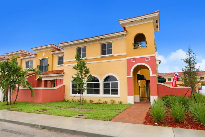 3519 NW 29th Place, Lauderdale Lakes, FL 33311