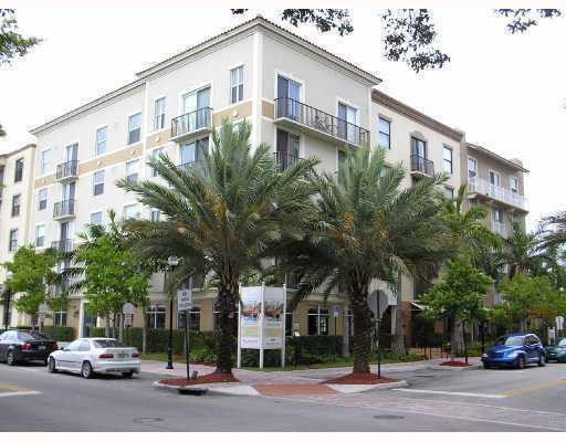 1900 Van Buren Street 122 B, Hollywood, FL 33020