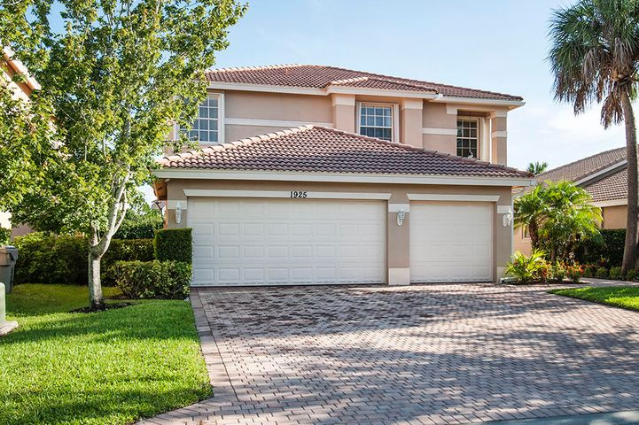 1925 Grey Falcon Circle SW, Vero Beach, FL 32962